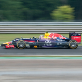 panning ( F1 Maďarsko 2014, Daniel Ricciardo ,Red Bull-Renault, 1.místo )