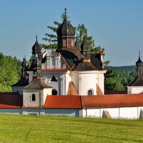 Poutní  kostel  Svaté  Trojice  u  Trhových  Svinů...