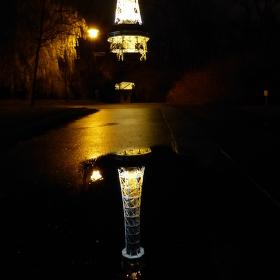 věž vzhůru nohama aneb na co je dobrá louže.....