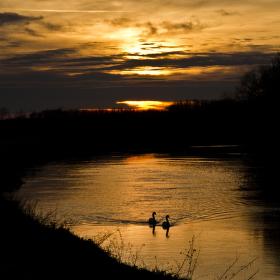 Západ slunce nad svratkou