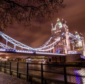 Tower Bridge night walk