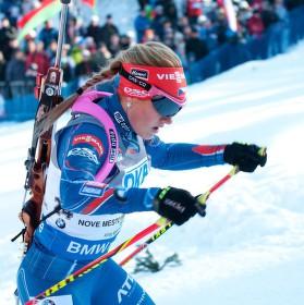 Gabča nemusí nic prodávat ona to přímo vyprodala :-) (vstupenky na SP biatlonu v N.M. )   a je to krásná ženská !!!