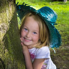 Děvče s kloboučkem...