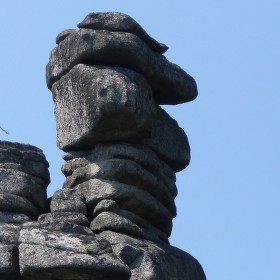 Kamené sochy přírody.