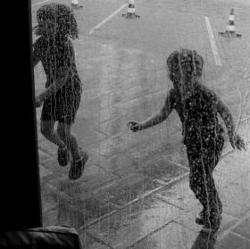 Prší!