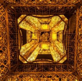 Eiffelovce pod sukní - Copyright Tour Eiffel - Illuminations Pierre Bideau