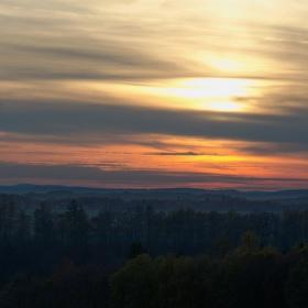 Západ slunce nad Babiččiným údolím