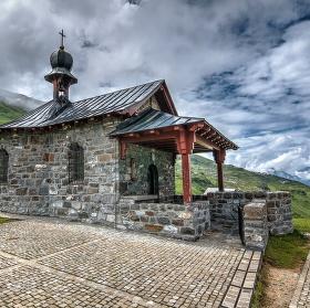 Klausenpass, kaplička / Švýcarsko