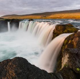 Božské ráno u vodopádu bohů