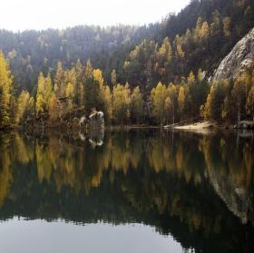 Zrcadlení - Jezírko v Adršpachu