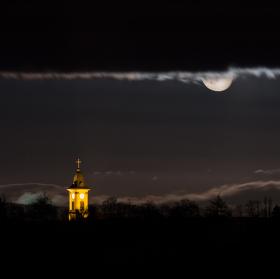 Sviť měsíčku sviť..