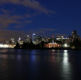 Noční Vancouver