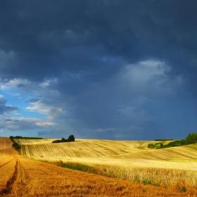 bouřka, slunce a kousek duhy na Moravském Toskánsku