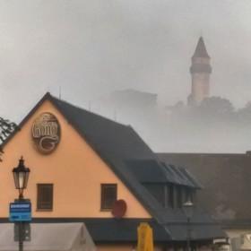 Štramberská trúba zahalena v mlze