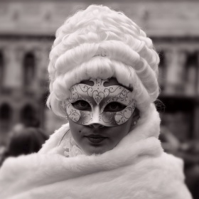 Kráska z karnevalu