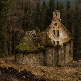 ...zřícenina kaple sv. Anny