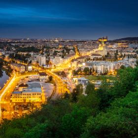 Večerní Praha z Podbaby