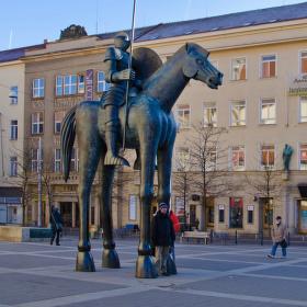 Pod koněm