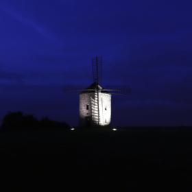 mlýn v modré hodině