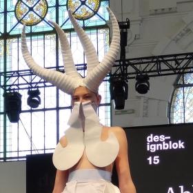 Extravagantní móda