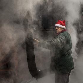 Santa jezdí parou