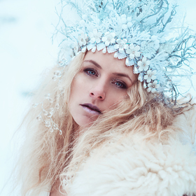 WINTER QUEEN
