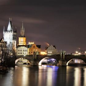 večerní Praha