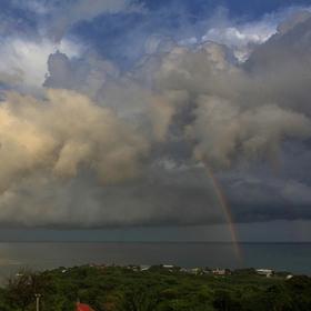 Dramatické nebe po dešti