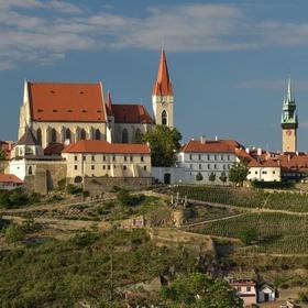 Kostel sv. Mikuláše a okolí