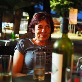 u sklenky vína