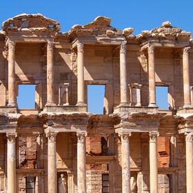 Celsova knihovna (starověký Efes - Turecko)