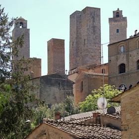 Šest věží