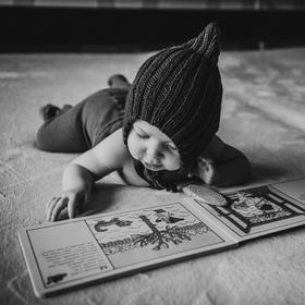 Skřítek s knížkou