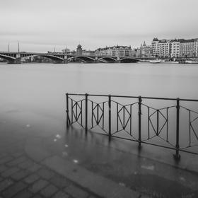 Tančící dům ze Smíchovské náplavky