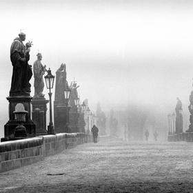 Mrazivý únor na Karlově mostě