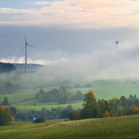 Zahalující mlha