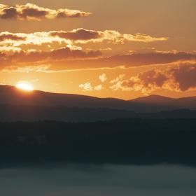 Východ slunce nad Jizerkama z Příhraz