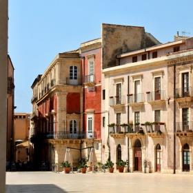 Romantické náměstí v Syrakusách