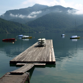 Bezvětří nad jezerem