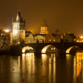 Noční most