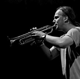 ..Sólo pro trumpetu..