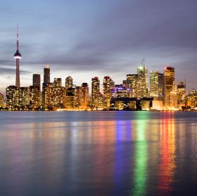 Stmivani nad Torontem