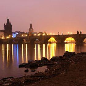 Karlův most  za svítání