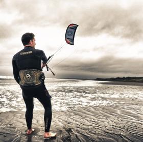 Kite surfer v Rossnowlagh