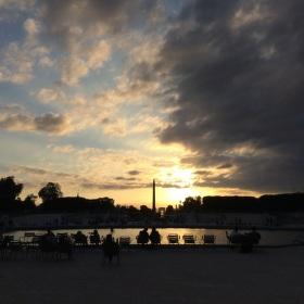 Západ slunce v Tuileries
