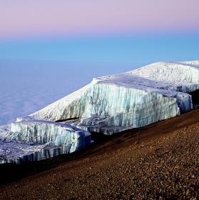 Když svítá nad Kilimandžárem.