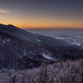 Zimní večer v Jizerkách