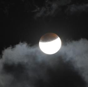 Zatmění Měsíce 28. září 2015