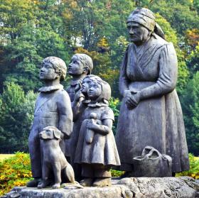 Babiččin pomník