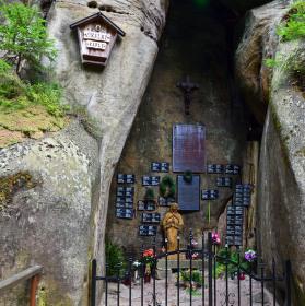 Skalní kaple
